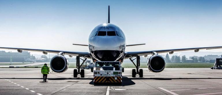 Повече от 300 пилоти в Чехия се включиха в група
