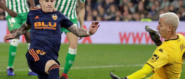 Валенсия спечели Купата на Краля, след като победи Барселона с