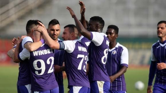 Футболистите на Етър победиха Черно море с 1:0 във Велико