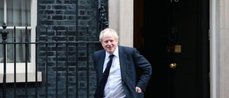 Дъглас Рос, министър за Шотландия, се оттегли от поста си