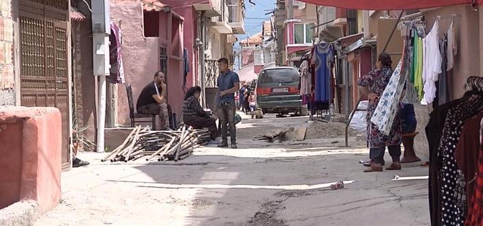 """Жителите на ромския квартал """"Надежда"""" в Сливен продължават да изказват"""