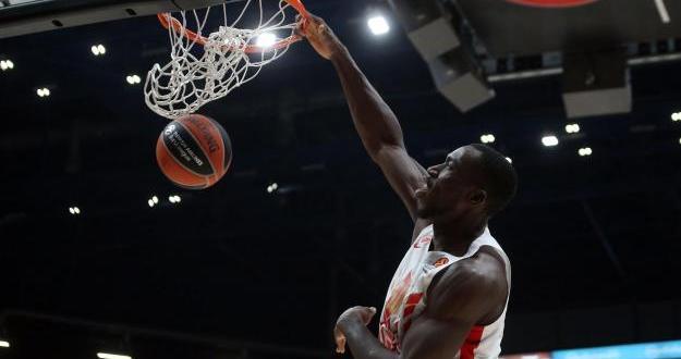 Баскетболистът на Цървена звезда Майкъл Оджо почина внезапно на 27-годишна