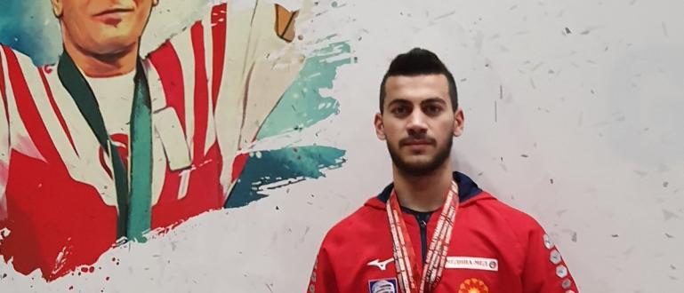 Един златен и два бронзови медала в двубоите завоюваха българските