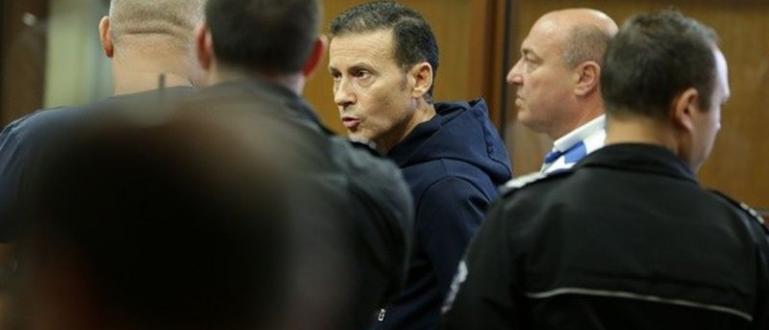 Личен ангажимент на адвокат отложи делото срещу Миню Стайков. Той