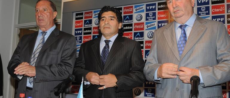 Изключително тежка нощ имаше семейството на легендарния аржентински треньор Карлос