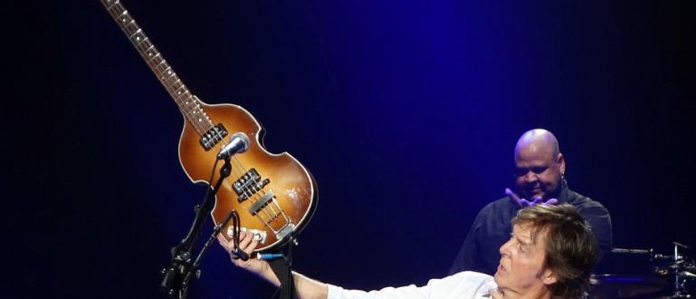 50 години след изчезването на бас китарата, на която е
