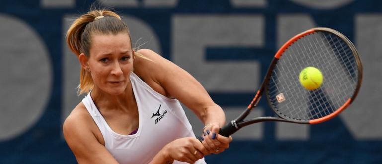 Сериозен скандал избухна на тенистурнира Ролан Гарос.Руската тенисистка Яна Сизикова