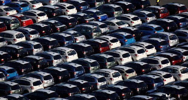 Автомобилният бранш диша тежко от половин година насам. След кратки