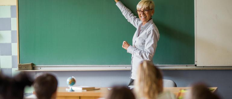 5 октомври е Международният ден на учителя.Отбелязва се от 1994