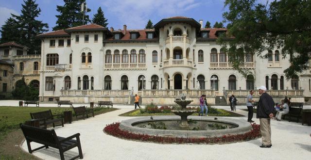Делото за двореца