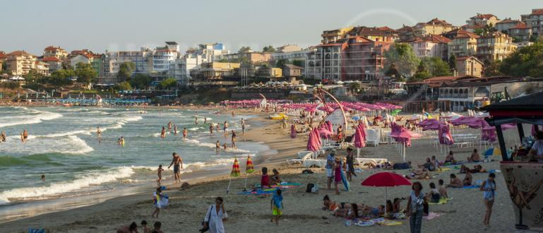 Лято е, горещо е и единственото спасение е морето. Сезонът