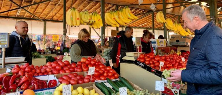 Разговорите ни с търговците и клиентите на Общинския кооперативен пазар