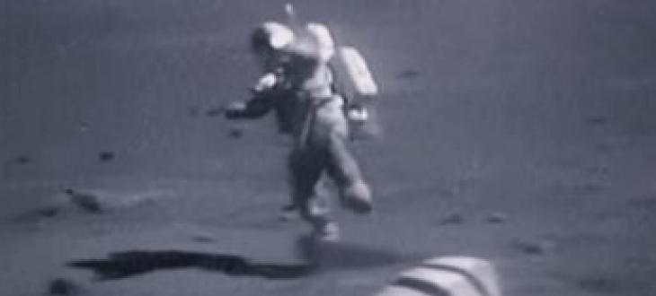Двама астронавти, които в следващите три години да полетят до