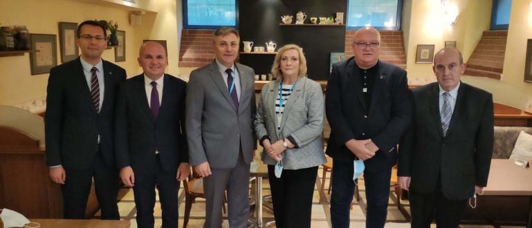 Лидерът на ДПС Мустафа Карадайъ, кандидат за президент на Движението,