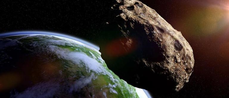 Европейската космическа агенция съобщи, че голям астероид може да удари