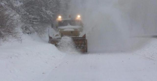 Снежната покривка в Ловешка област достигна 25 см. Проходът Троят–Кърнаре