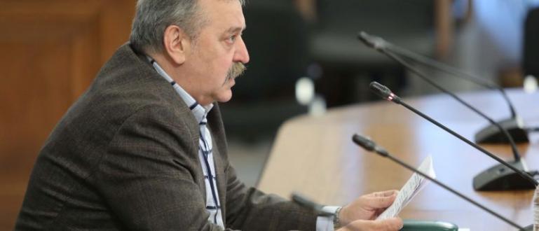 Според проф. Тодор Кантарджиев, директор на Националния център по заразни