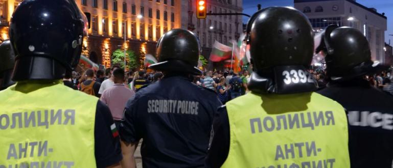 Столичните полицаи са предотвратили разрастване на конфликти и напрежение в