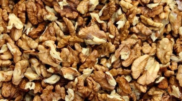 Харвардски учени обявиха орехите за най-полезната храна за сърцето. Дълго
