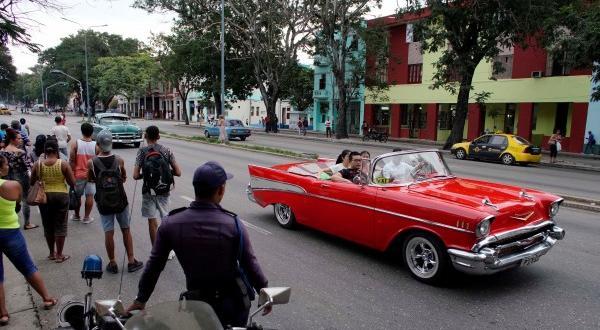 Кубинските власти разкриха как шпионират народа си Властите в Куба