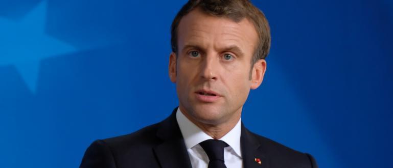 Гражданин удари шамар на френския президент Еманюел Макрон при визитата