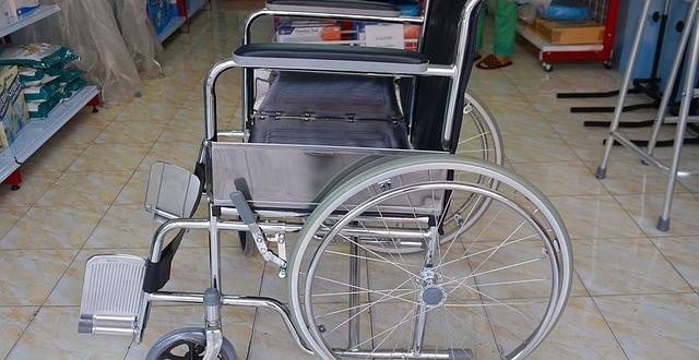 НЗОК, а не социалните служби, ще подпомага хората с увреждания