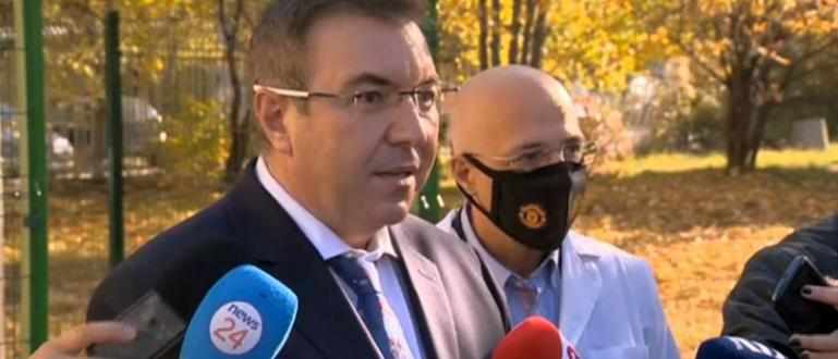 Здравният министър Костадин Ангелов се оплака днес, че не среща