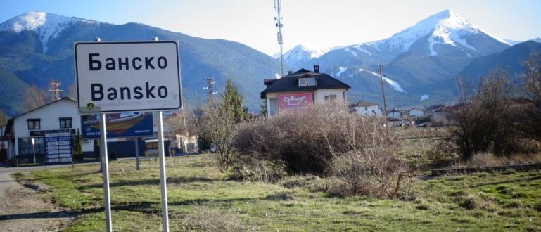 Вторият ден от наложената двуседмична карантина започна в Банско. Вчера