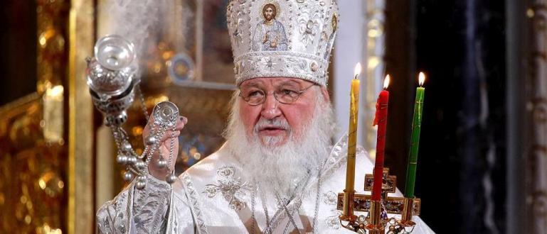Свещениците от Православната църква в голяма част от Европа отслужиха