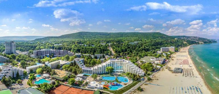 Първите туристи по Северното Черноморие се очаква да пристигнат за