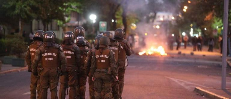 10 души вече са жертвите на продължаващите бунтове в Чили.