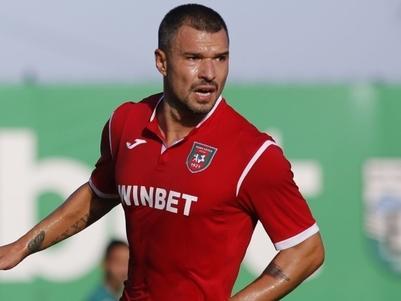 Българският футболист Валери Божинов е много близо до трансфер в