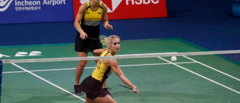 Габриела и Стефани Стоеви започнаха с бърза победа на двойки