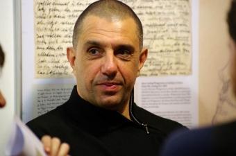 Известният драматург, тв водещ, преподавател и режисьор Юрий Дачев е