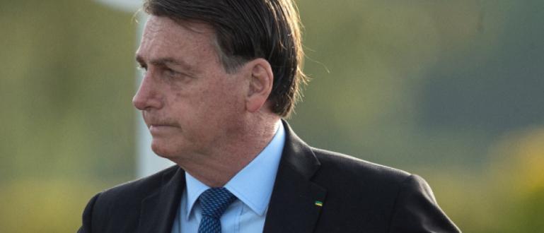 Бразилският президент Жаир Болсонаро съобщи, че направеният му тест за