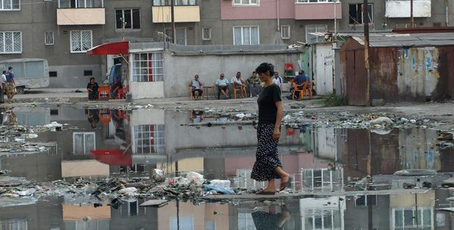 """Вода уж няма, а в пловдивския квартал """"Столипиново"""" водата тече"""