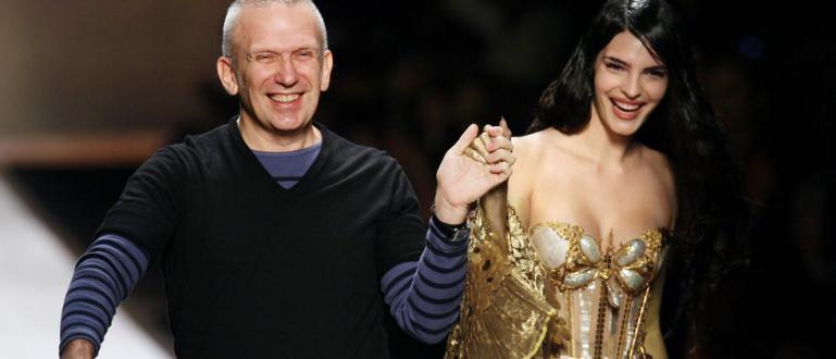 Френският моден дизайнер Жан-Пол Готие обяви прощалното си дефиле. Той