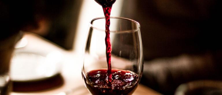 Виното може да облекчи състоянието на болния от COVID-19 благодарение
