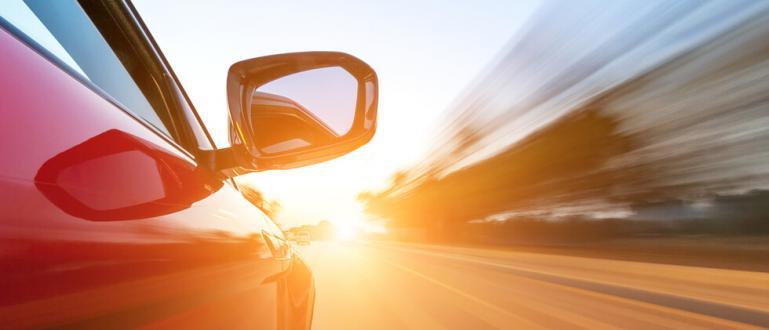 Камери засякоха автомобил, движещ се с рекордните 266 км/ч.Сценарият като