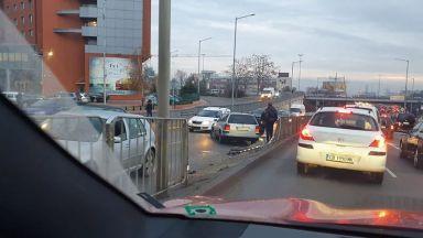 Километрично задръстване затрудни движението по булевард
