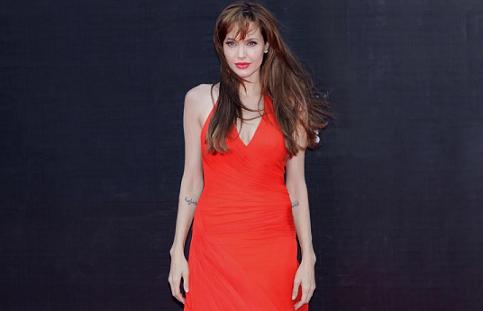 Анджелина Джоли е празнувала 45 в компанията на шестте си