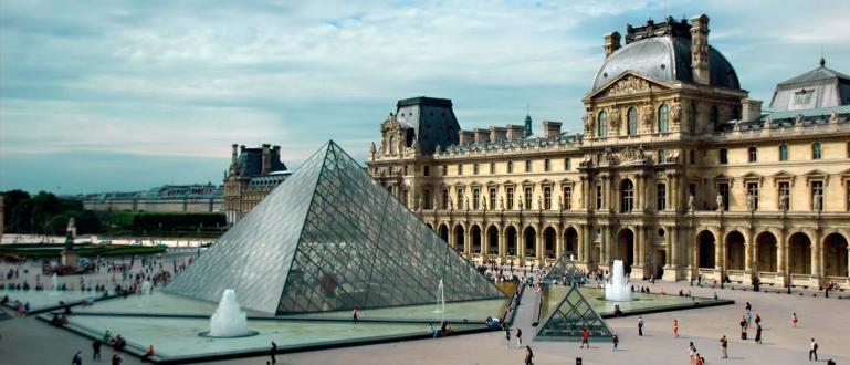 Най-големиятнационален музей на Франция отвори врати. Лувърът, в който сасъбрани