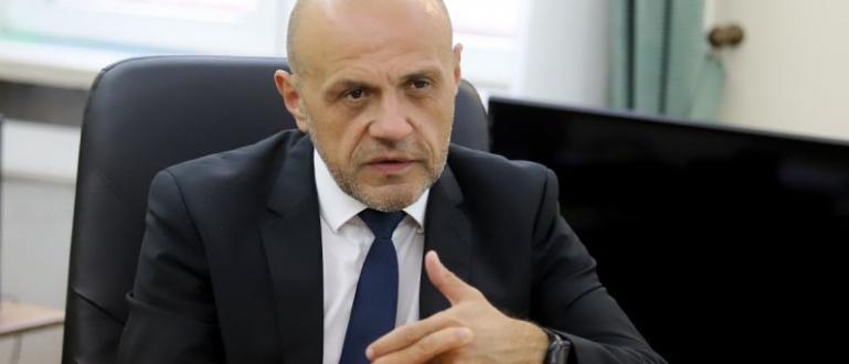 Вицепремиерът Томислав Дончев смята, че не е честно той да