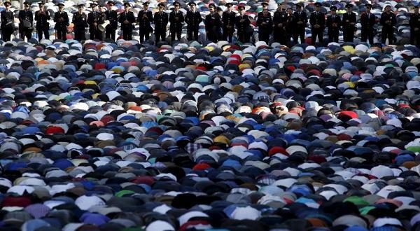 В Санкт Петербург с почти един милионМюсюлманското население на Русия