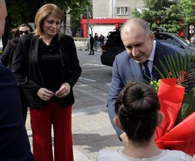 Десислава Радева се появи за първи път публично след операцията
