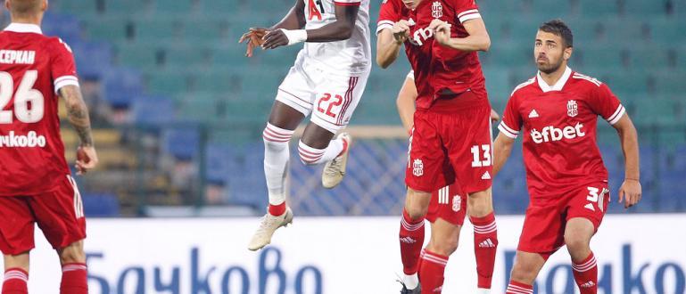 Историческото дерби между двете ЦСКА-та в българския футбол завърши 2:2.